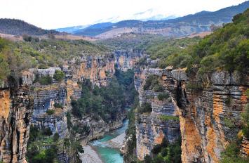 Kanionet e Osumit, nisje me 5 , 6 , 12 , 13 , 19 , 26 , 27 Shtator, 1 ditë, 1800 lekë